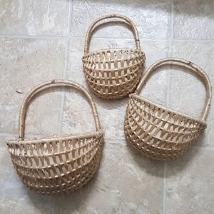 Set of 3 wall hanging baskets